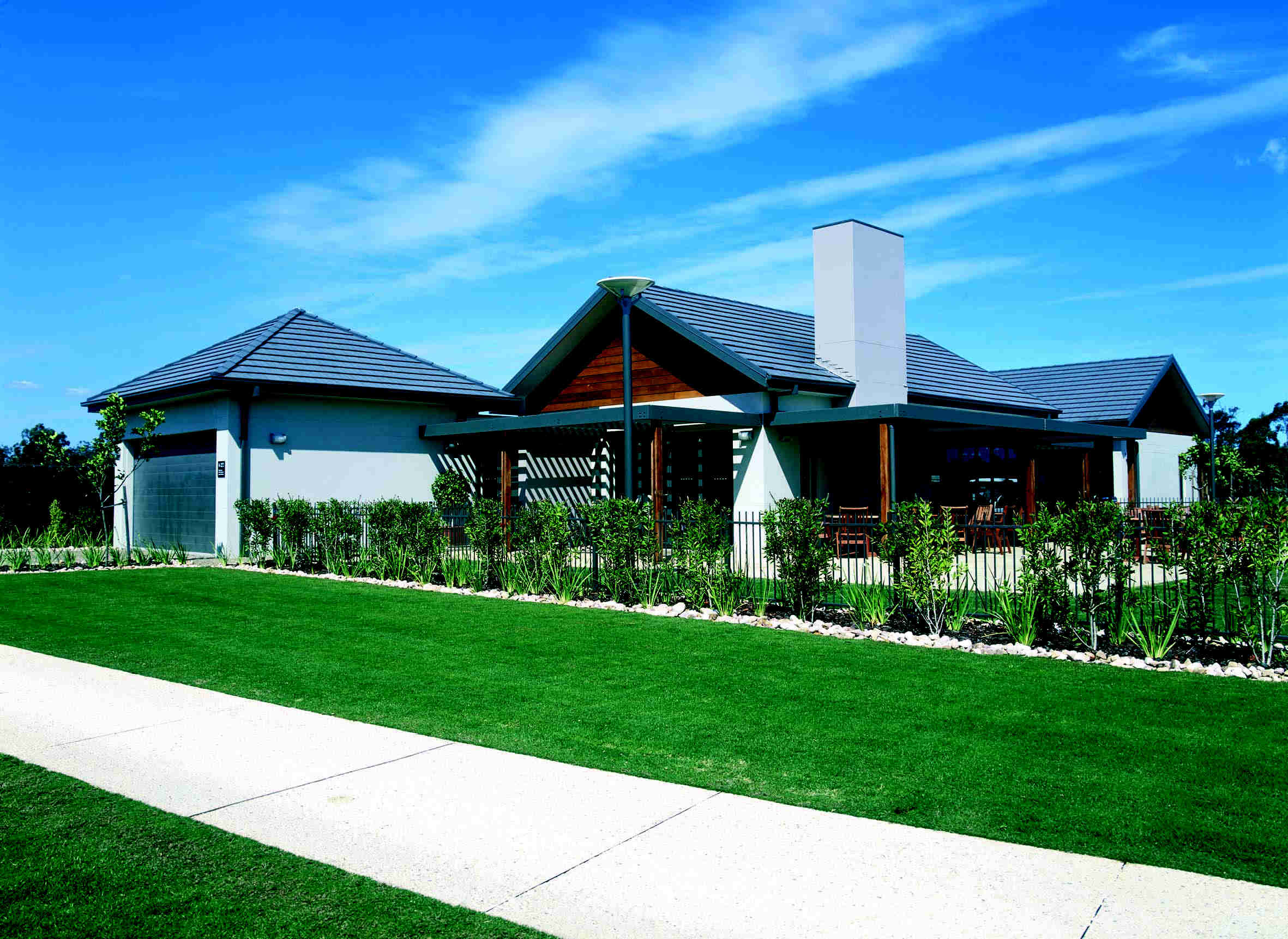 The architect of the sydney superdome and the sydney aquatic centre has turned it sights on port stephens designing the fairway houses for pacific dunes